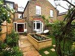 Beautifully decorated, spacious garden flat near Chiswick. (by Elizabeth Lytton)