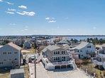 All New - BeachWaves 365: Beach Front, Expansive Views, 2 Kitchens, Wraparound D
