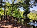 Long Range Views, Screened porch, 3bed 3 full bath, hike, fish, relax
