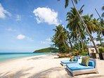Akuvara - Your private beach loungers