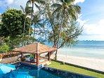 Akuvara - Absolute beachfront villa