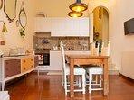 Il soggiorno con la cucina