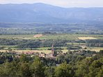 vue du village avec la montagne dans le fond