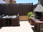 SUN TRAP BACK TERRACE WITH BBQ
