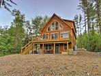 Dream Log Cabin in Bethel - 15 Min. to Ski Resort!