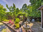 A flagstone patio and garden at 'Big Oak Villa' complete your mountain oasis.