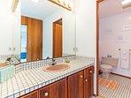 Seaclusion - 2nd Bathroom