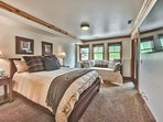 Level 1 Master Bedroom 4 with Queen Bed + Daybed and Pullout Trundle (Sleeps 4), 50' Smart TV, Private Bath and Patio...