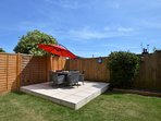A fully enclosed garden,perfect for families and dogs