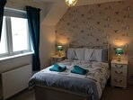 A lovely Spacious Double bedroom with Fabulous Sea Views