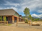 Neighboring cabins can accommodate more guests!
