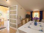 A2(2+1): dining room
