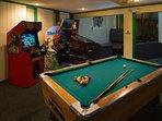 Branson Yacht Club Indoor Pool Table