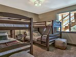 downstairs twin/twin and full/twin bed