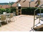 60 m2 de terraza con barbacoa y tumbonas