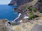 Ben je moe van het wandelen ga dan naar het strand van Tazacorte of naar dit strandje van La Veta.