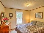 Bedroom 2 | Full Bed | 1st Floor