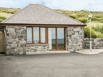 CONNOLES COTTAGE, all ground floor, open plan, countryside views, in Fanore, Ref