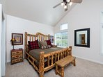 Large Master suite/king bed