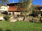 CASAS PIN en Cantabria, casas de turismo rural independientes, con prado cerrado. De 2 a 12 personas