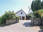 PENROSE COTTAGE, family friendly, country holiday cottage, with a garden in Govi