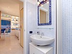 07 celimontana bathroom2