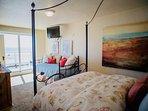 Master bedroom queen + daybed