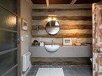 Lodge bathroom 1