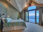 Second en suite bedroom with balcony and lake view