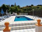Gran terraza, barbacoa Casa completa privada con Piscina Privada con recinto privado en toda la casa