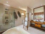 Baan Puri - Ocean view suite bathroom design