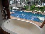 Baan Puri - Ensuite bathtub and pool view