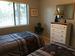 1st level bedroom (twin beds)