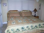 very comfortable guest bed converts in minutes from king to twin beds