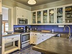 Prepare all your favorite dinners and desserts in this fully equipped kitchen.