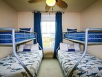 Great times ahead! Bunk room sleeps six kids! SmartTV with Netflix(no cable). Private Bath attached.