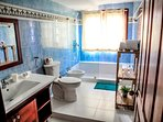 Master bathroom with shower - Full furnished