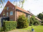UPPER BARN STABLE, character holiday cottage,with a garden in Reepham, Ref 2428