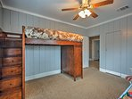 The last bedroom is ideal for kids!