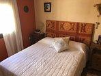 Dormitorio principal cama 1.50 Armarios empotrados