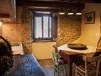 Casa Vacanze in stile toscano rustica, accogliente per 4 persone, giardino, barbecue e idromassaggio