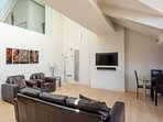 Amazing Spacious 2 Bed Duplex Penthouse w/ Balcony