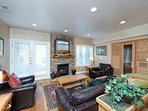 Lower living area with sauna/gas fireplace/tv