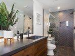 Private apartment ensuite bathroom