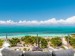 Beach Villa Sandpebble, a 3BR on world famous Grace Bay Beach!