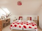 Comfortable superking upstairs - which we can also make up as twin beds, if you prefer
