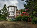 Private Beach Retreat On 1+ Acre of Wooded Land One Minute Walk To The Beach w/
