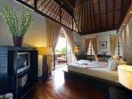 Majapahit Beach Villas - Villa Nataraja - Master bedroom