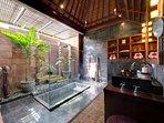 Majapahit Beach Villas - Villa Nataraja - Bathroom during day