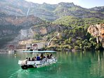 Boat trips, water sports and swimming at Cortes de Pallas
